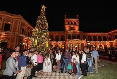 El arte popular, protagonista de la decoración navideña del Palacio de López