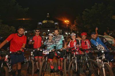 Ciclistas llegan desde Paraguarí para agradecer a la Virgen