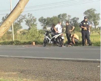 Bebé fallece arrollado tras caer de motocicleta
