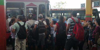 Actualizan número de pasajeros con destino a Caacupé