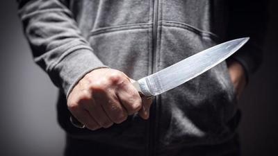 Asesinan a hombre de 57 puñaladas
