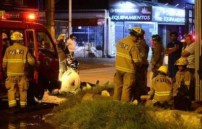 Choque deja cinco heridos en Fernando de la Mora