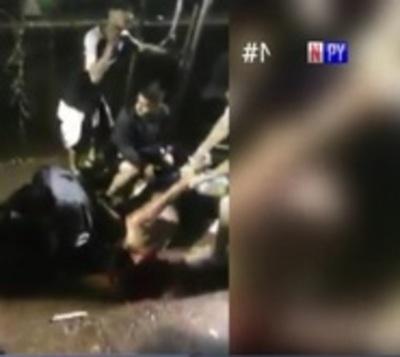 Caída de valla de seguridad deja heridos graves en festejo decano