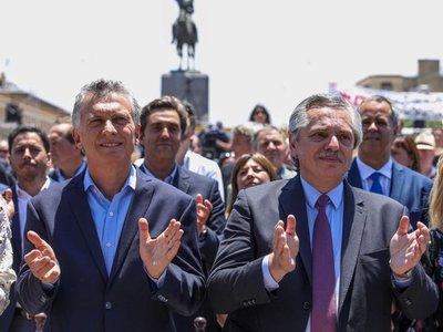 Fernández asume presidencia de Argentina en medio de crisis