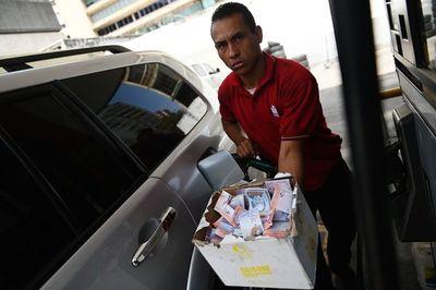 Hiperinflación en Venezuela se desacelera en noviembre: 13.475,8% interanual