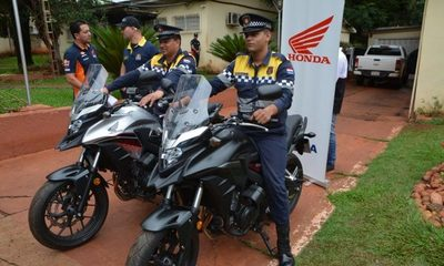 Entregan motocicletas a la Policía de Tránsito de CDE