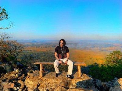 Mario Cimarro destaca calidez de paraguayos y naturaleza de tierra Guaraní