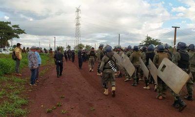 Desalojan a unas 60 familias en el km 11 de CDE