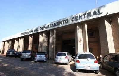 Universitarios denuncian que la Gobernación de Central dejó de pagar becas