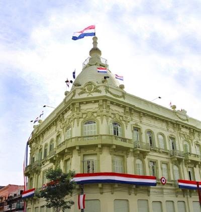 Fitch mantiene calificación de Paraguay en BB+
