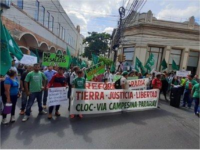 Reclaman tierra, justicia y libertad en el Día Internacional de los DDHH