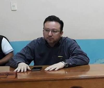 Sin empacho, ex Juez echado por mal desempeño presume de impoluto