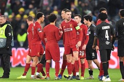 Liverpool y Nápoles cumplen los pronósticos y están en octavos