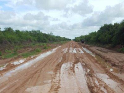Temporadas de lluvia empiezan a clausurar caminos en el Chaco