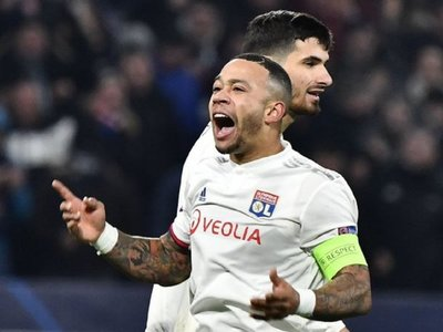 El Lyon logra el pase a octavos tras un empate de infarto