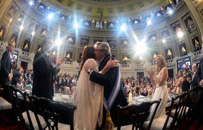 Fernández asumió en Argentina y promete reducir la pobreza