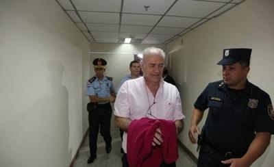 HOY / Prohibición de EEUU no le afecta a González Daher, dice su abogada