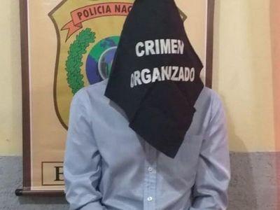 Detienen por robo a funcionario del Registro Civil