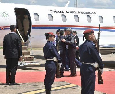 Abdo Benítez viajó a EE.UU. para reunirse con Donald Trump