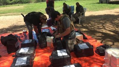 Decomisan 478 kilos de cocaína tras enfrentamiento armado en el chaco