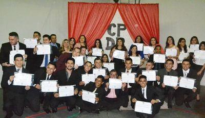 Egresaron 41 alumnos de la promoción Don Julio del Puerto