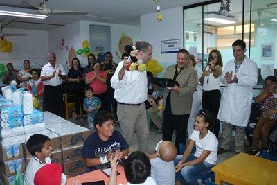Clínicas: Pabellón de niños con leucemia se inundó de alegría y solidaridad