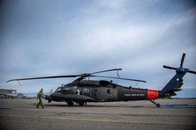 Hallan restos de avión flotando en zona donde desapareció avión militar chileno