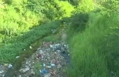 Inician limpieza en arroyo repleto de basura en San Lorenzo