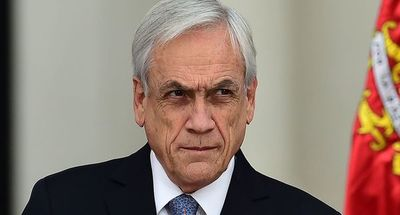 Piñera es acusado por abuso de poder