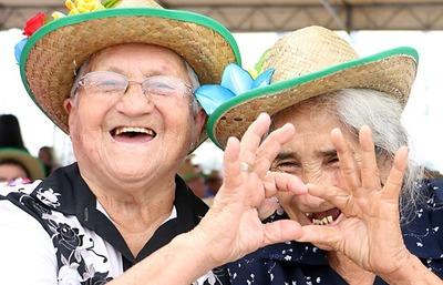 Adultos mayores recibirán pensión automática al cumplir 65 años de edad