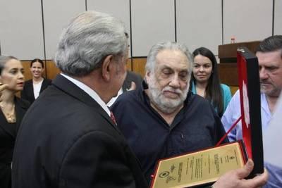 Senado distingue a Humberto Rubín por su trabajo pro medio ambiente