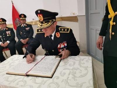 "Comandante pide ""reconsiderar"" rechazo de ascenso de Comisarios"