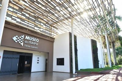 Museo de Itaipu celebra sus 40 años con reformas y homenaje a pioneros