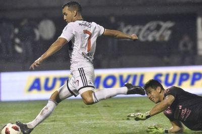 """""""Camacho tiene ganas de salir de Paraguay"""""""