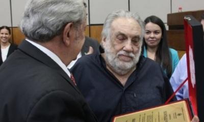 Humberto Rubin fue distinguido en el Senado