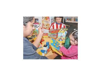 Talleres gratuitos de arte infantil en el acceso a Costanera