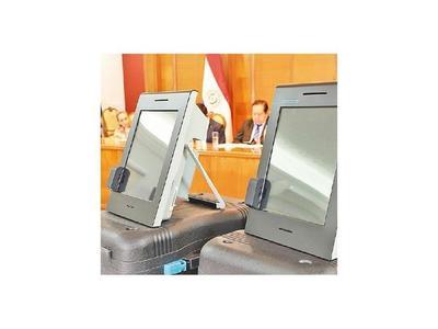 Comisión finaliza evaluación de las máquinas de votación