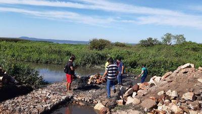 Denuncian cierre del río Salado para paliar bajante del Ypacaraí