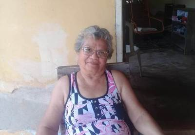 Ejemplar: mujer de 75 años culmina su bachillerato