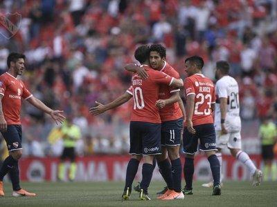 Golazo de Cecilio Domínguez para Independiente