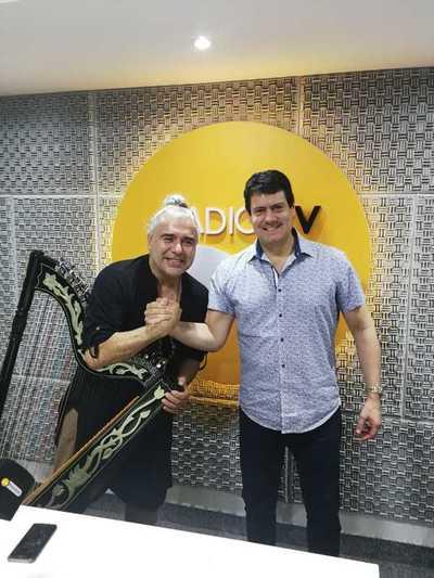 Víctor Espínola el embajador del arpa paraguaya en Radio Ñandutí