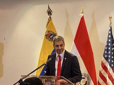 Abdo Benítez fue homenajeado por venezolanos en EEUU