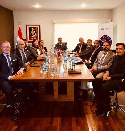 """Políticos y empresarios """"no están tranquilos"""" con el FBI en Paraguay"""