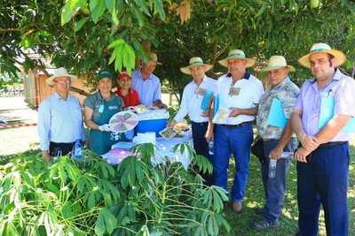 Yacyretá apoya capacitación de familias campesinas en Itapúa