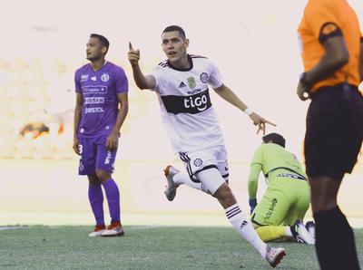 El debut con gol de Diego Torres en Olimpia
