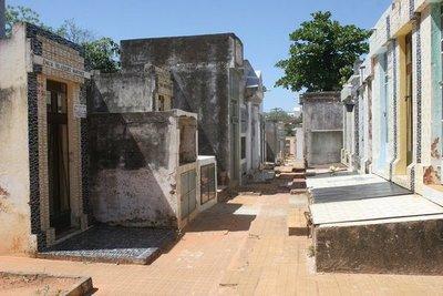Hasta fin de año rigen ventajas para ponerse al día en pago por lotes de cementerios