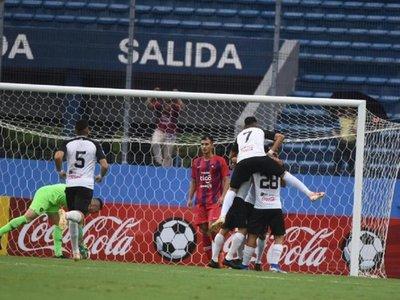 Cerro decepciona y cierra el año con dura derrota en La Nueva Olla