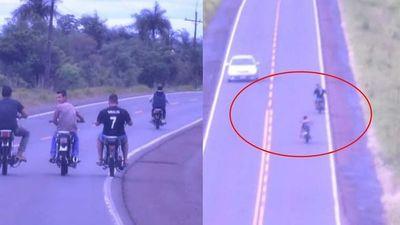 Misiones; jóvenes, hacen piruetas sobre ruta PY01 en carrera clandestina