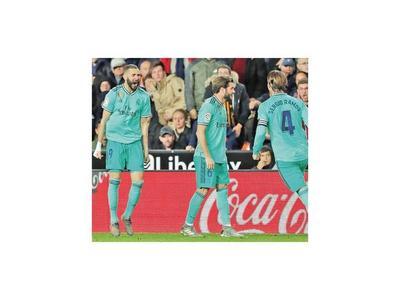 Barça y Real llegan empatados
