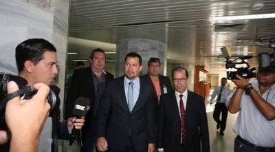 HOY / Suspenden audiencia de Ulises Quintana: seguirá tras las rejas